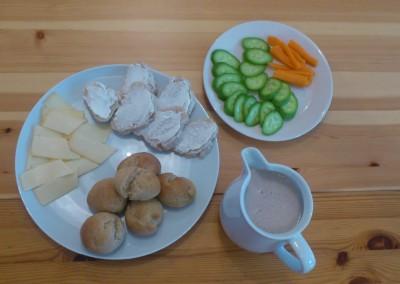 Apfel-Haferbrötchen, Rohkost & Smoothie